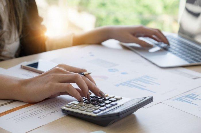 Как рассчитать зарплату за первую половину месяца в ЗУП 3.1?